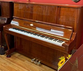 アップライトピアノ W106