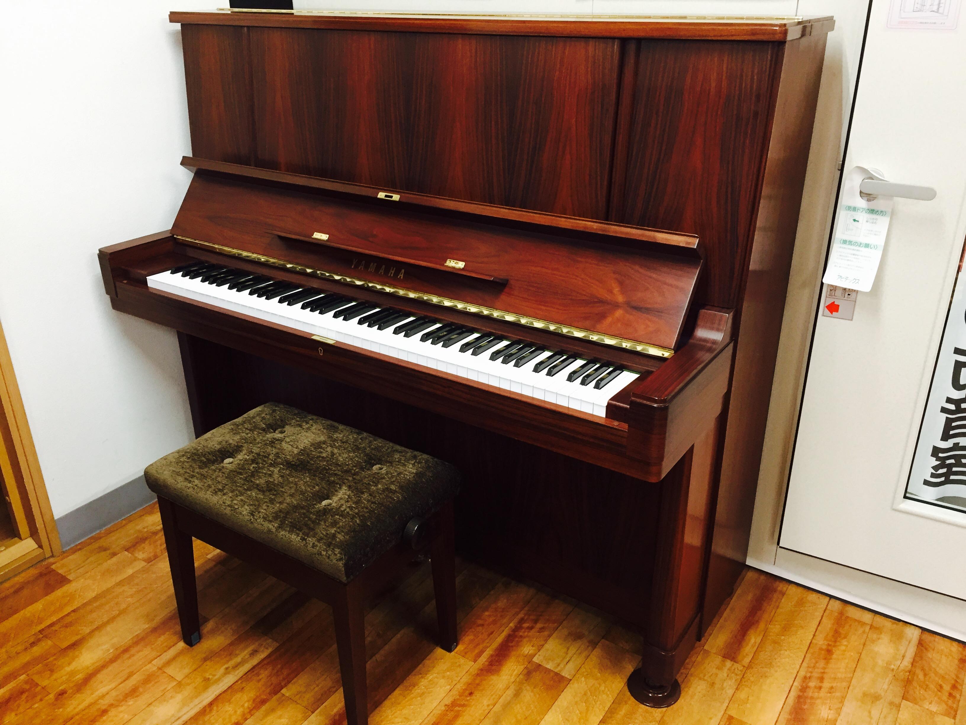 アップライトピアノ W107BR